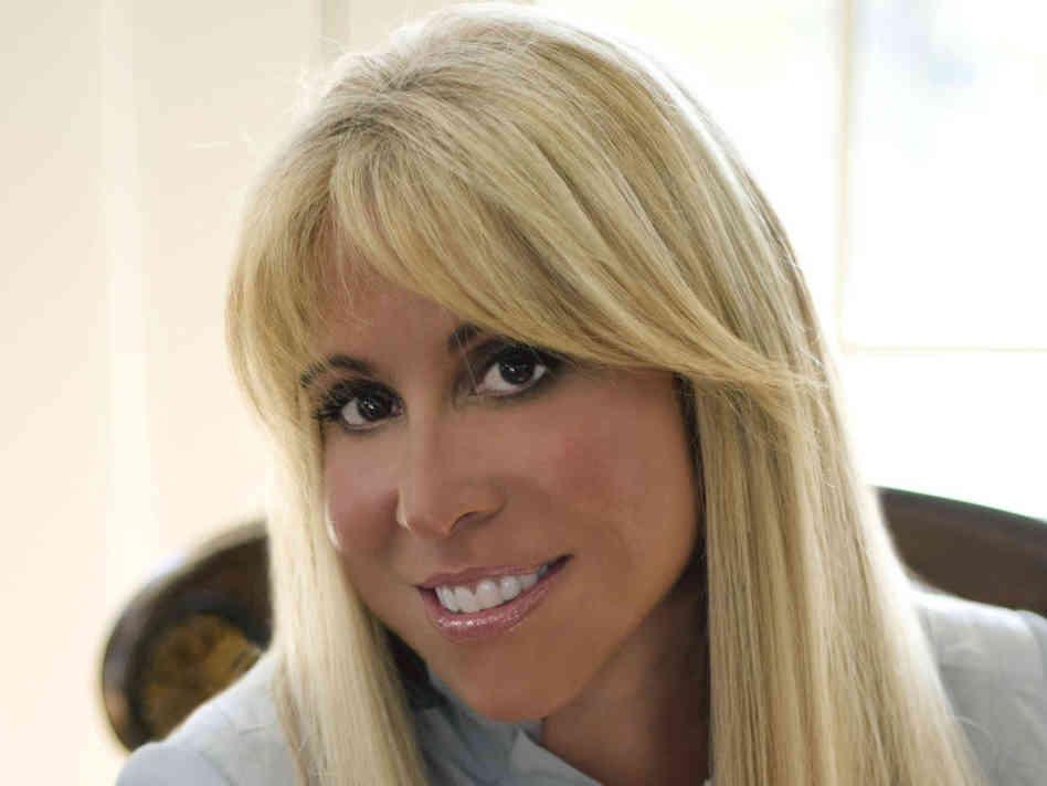 Lynn Tilton Net Worth - Celebrity Net Worth