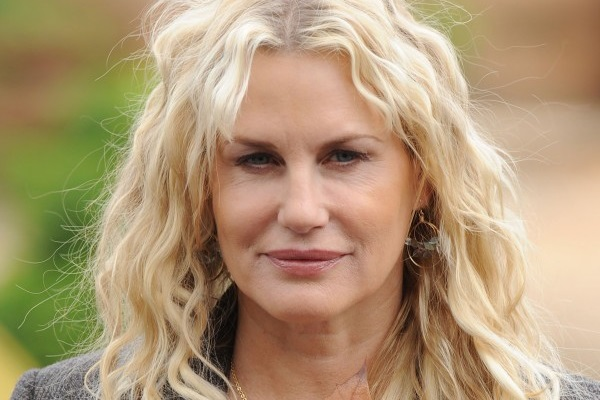 Daryl Hannah Plastic Surgery Flying Lies Celebrity Net