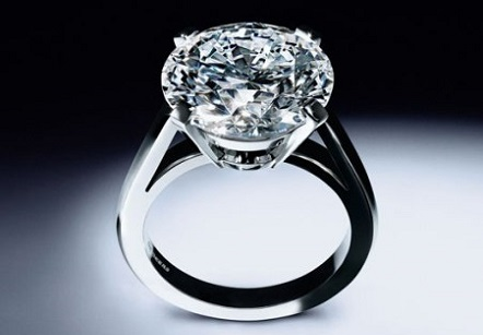 DeBeers Round Brilliant Platinum Ring