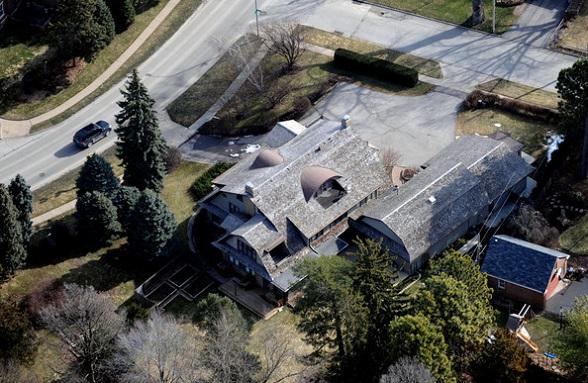 Warren Buffett House 2